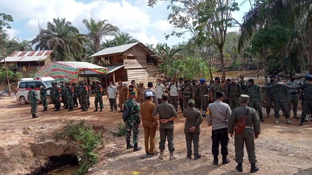 Tim gabungan yang terdiri dari Pemprov Jambi, Pemkab Batanghari dan TNI-Polri Satpol PP dan pihak terkait lain mulai melakukan sosialisasi penertiban ilegal drilling.