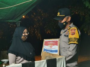Polres Bungo Serahkan 400 Paket Bantuan Kepada Masyarakat