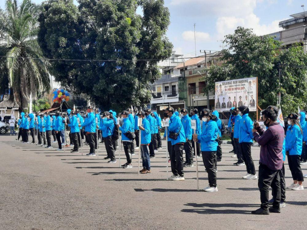 PELEPASAN: Gubernur Jambi, Al Haris Sabtu (11/09) secara resmi melepas 101 atlet Jambi yang akan berlaga di PON XX Papua 2-14 Oktober 2021.