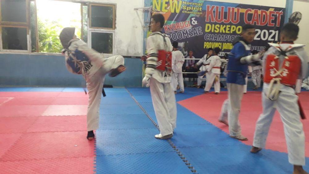 Atlet Taekwondo Jambi giat berlatih jelang PON Papua.