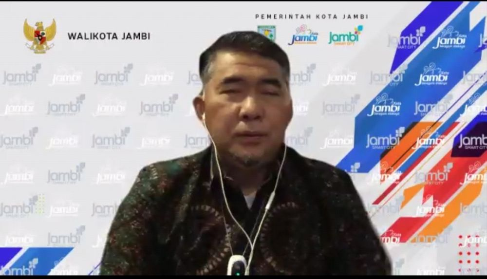 Wali Kota Jambi Syarif Fasha dalam Webinar Mengukur Kapasitas Perubahan APBD TA 2021 dalam Penanganan Covid-19, Rabu (13/10).