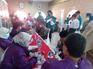 Vaksinasi Binda Jambi Disambut Antusias Warga dan Pelajar di Ponpes Al Hidayah
